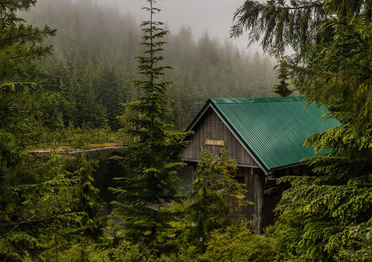 Elk Lake hut on the Sunshine Coast Trail