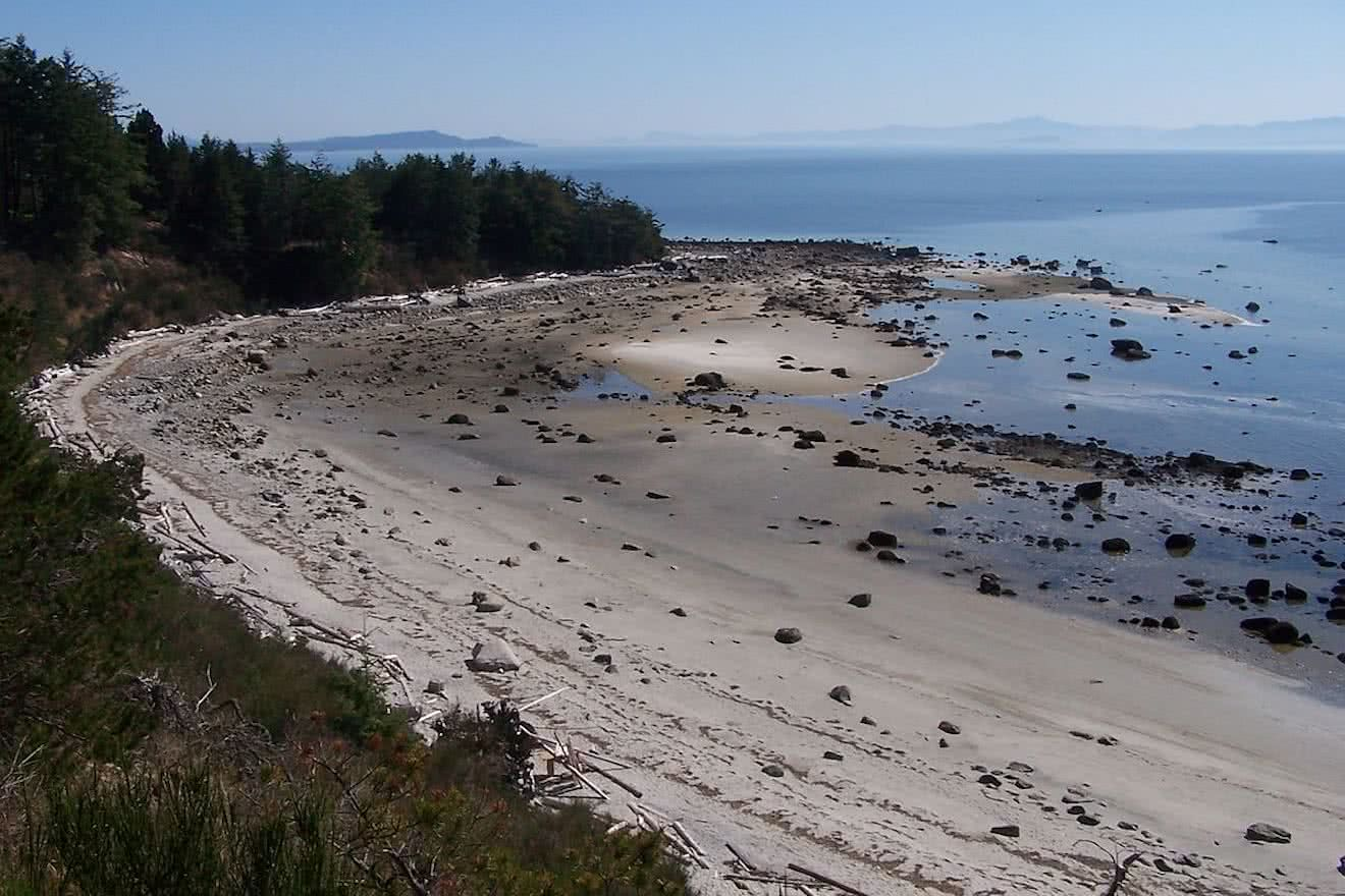 Duck Bay on Savary Island is often completely free of people no matter what time of year
